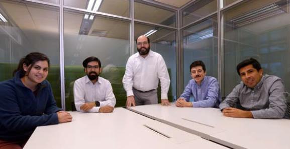 Profesionales del Magíster de Ingeniería de Negocios con TI y del Centro de Investigación en Inteligencia de Negocios.